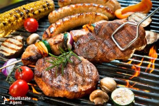 delicious grilled meat with vegetables