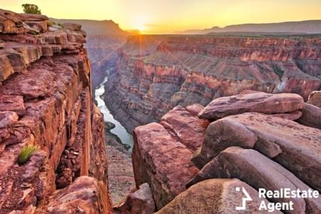 sunrise in grand canyon
