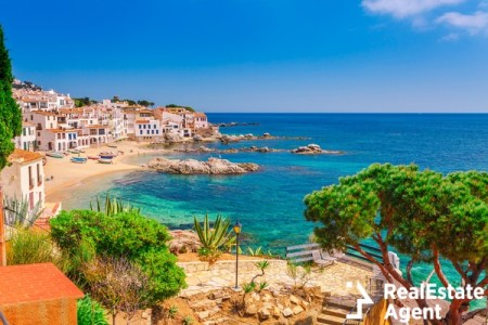 nice sand and beach, clear water in costa brava spain