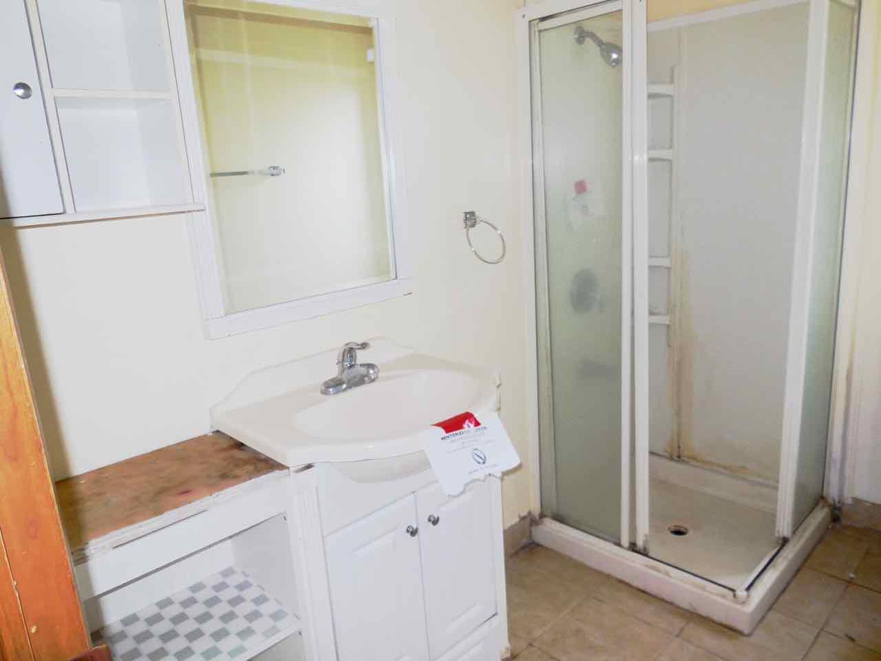 561-820190 main bath