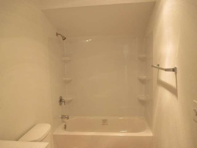 561-814272 – Master Bath