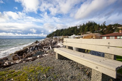 waterfront-bench Mariner's Cove Multi-Level View Home