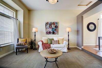 livingrm Laurie Announces | Everett Tri-Level | 6 109th Place SE