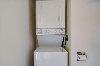 11-STACKABLE-WASHER-DRYER LAURIE WAY ANNOUNCES | MID CENTURY MODERN CONDO FOR SALE | 330 W OLYMPIC PL #404