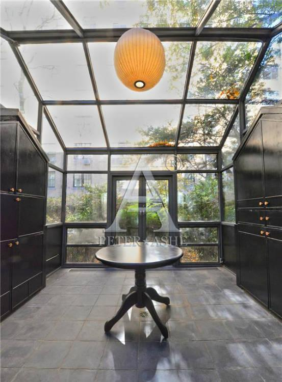 Solarium - Courtesy of Peter*Ashe Real Estate