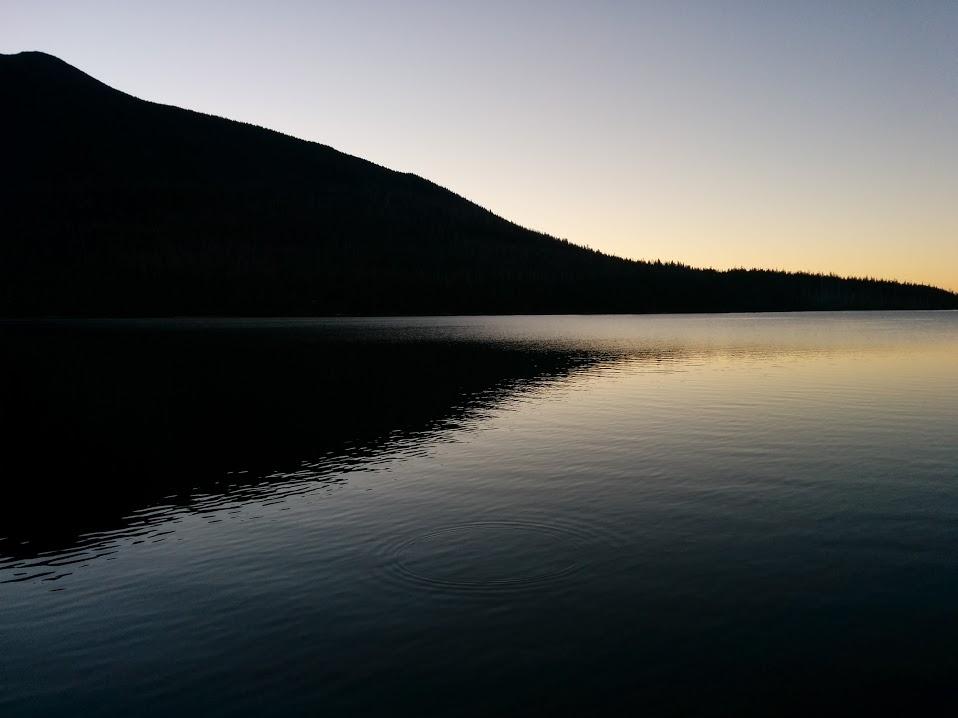 olallie-butte-lake-sunrise