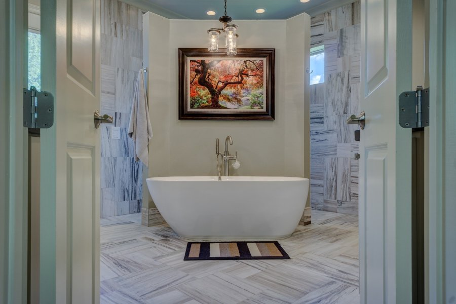 Don't get rid of the single bathtub in the house