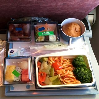 dragon-airline-vegan-meal