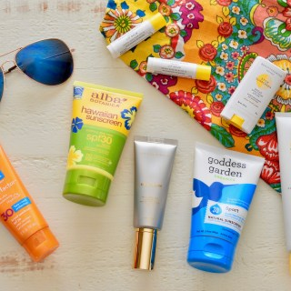Is your sunscreen toxic? + guide to safe sunscreen.