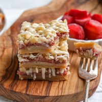 Paleo Strawberry Crumb Bars