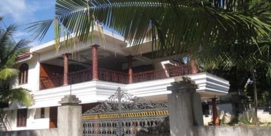 Posh villa for sale at Mannar