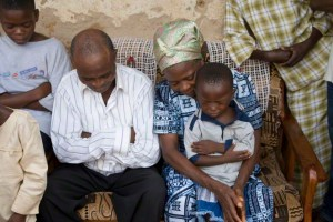 african-family-prayer-211643-gallery