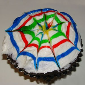 Easy Cupcake Decorating: Spin Art Cupcakes