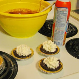 Chocolate Pudding Mini Pies (aka What Happens When I Forget to Pack Marshmallows)