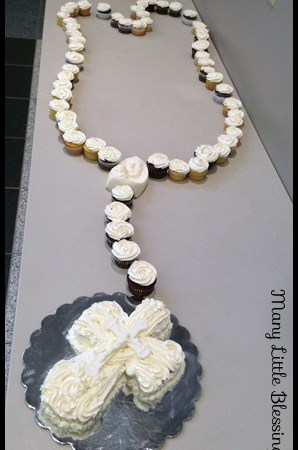 Rosary Cupcakes (and a First Communion Link Up)