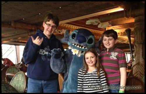 kids_with_Stitch