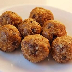 Easy Breakfast: Homemade Energy Balls