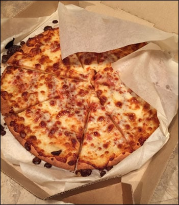 cheese-only gluten-free pizza from Pizza Hut