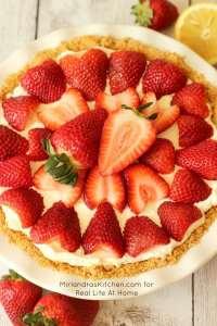 No Bake Strawberry Cheesecake | RealLifeAtHome.com