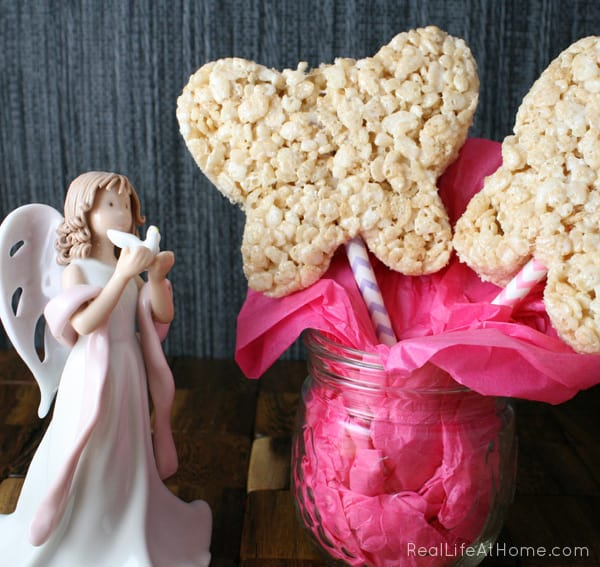 Rice Krispie Butterfly Wand Treats | RealLifeAtHome.com