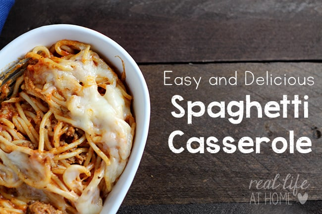 Need a quick to throw together meal that's sure to please? This spaghetti casserole recipe is quick and delicious! | Real Life at Home