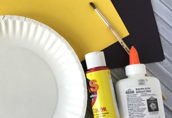 Materials for the Paper Plate Car Craft on Real Life at Home