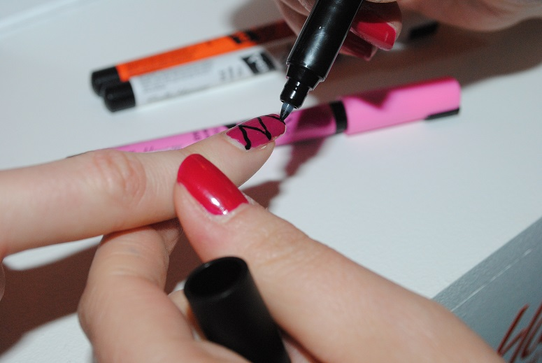 Sally Hansen Nail Art Pens For Uk Swatch