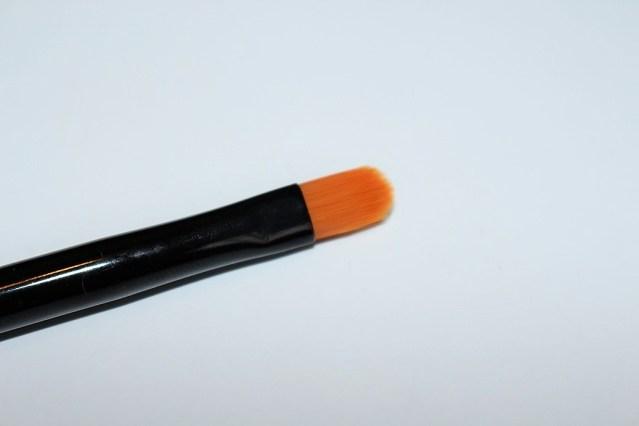 bobbi-brown-greige-dual-ended-eye-liner-smokey-brush-2