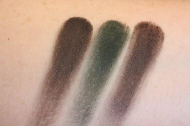 bobbi-brown-greige-intense-pigment-liner-swatch-forest