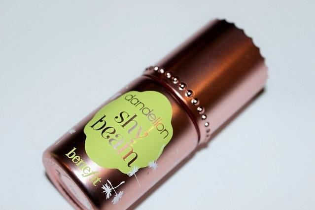benefit-dandelion-shy-beam-liquid-highlighter-review-4