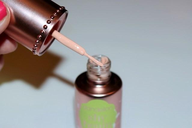benefit-dandelion-shy-beam-liquid-highlighter-review-6