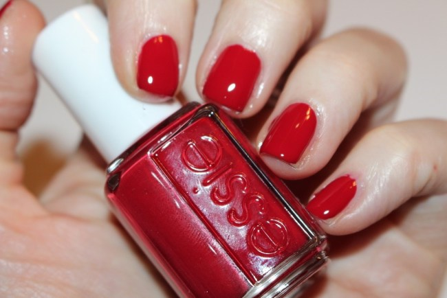 Essie Winter 2016 Party On a Platform