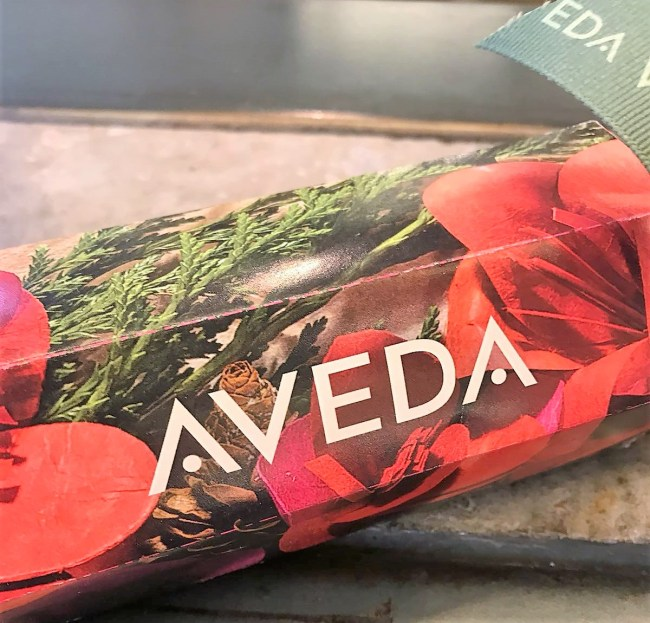 Aveda Christmas Crackers 2017