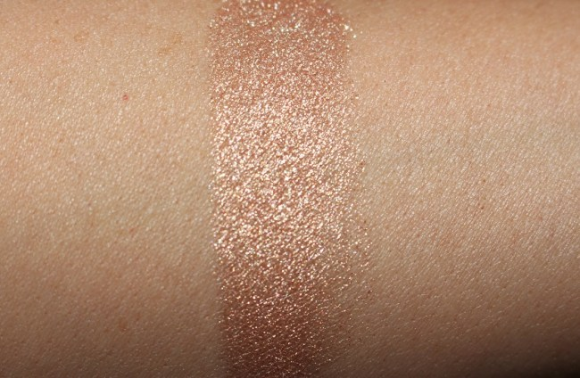 Estee Lauder Bronze Goddess 2018 Illuminating Powder Gelee - Heatwave Swatch