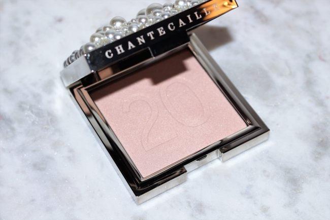Chantecaille Moonlit Perle Glow Powder