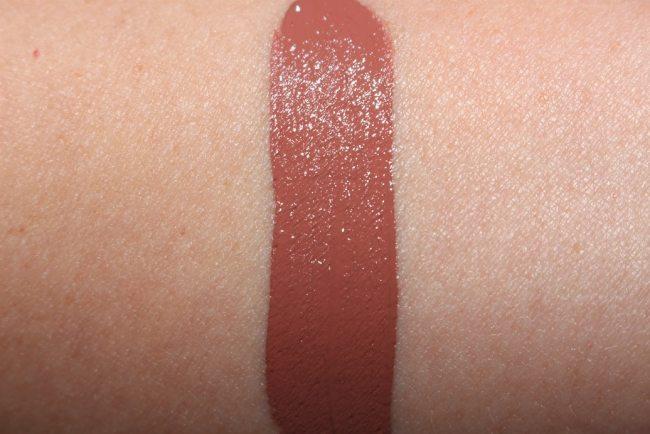Estee Lauder Violette La Dangereuse Liquid Lip Swatch - Naked