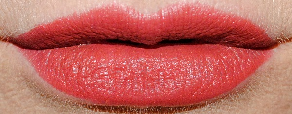Charlotte Tilbury Supermodel Lipstick Swatches - Super Sexy