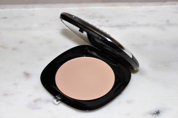 Marc Jacobs Accomplice Instant Blurring Beauty Powder