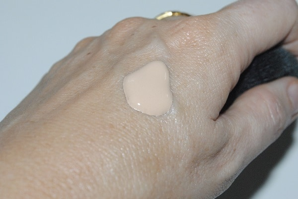 Shiseido Sports SPF50+ BB Cream Swatch Light