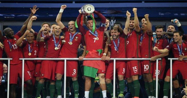 Pepe si Cristiano Ronaldo au castigat titlul european cu nationala Portugaliei!