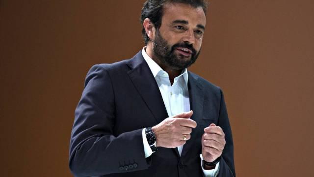 Jose Angel Sanchez impresioneaza prin tinuta discursului sau