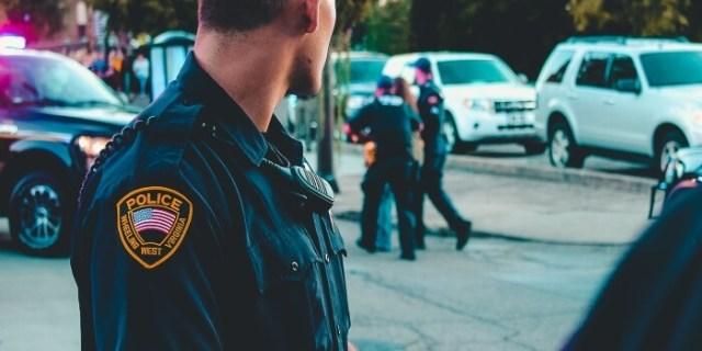 police officer uniform - dress code