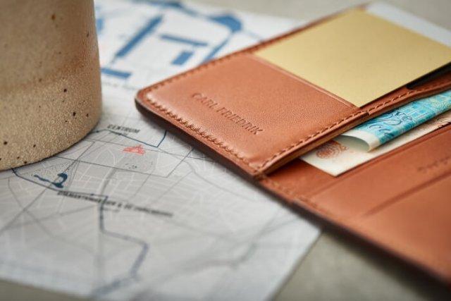 carl-friedrik-swanfield-leather-wallet