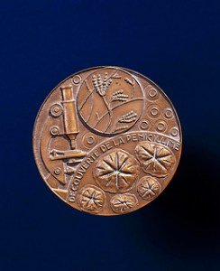 This is the Nobel prize medal awarded to Alexander Fleming, 1945. Courtesy of the Science Museum London