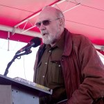 Fred Kirschenmann speaks to organic farmers at a rally