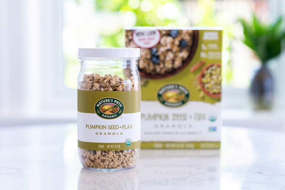 nature's path granola product photo