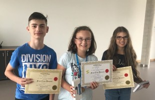 Schulbeste Rodion Catarau (6c), Julia Mikolajczyk (6a), Melissa Drakakis (6b)