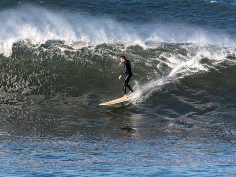the kick collaroy surfer