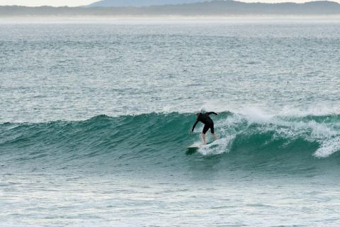 crescent head surfing