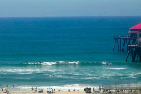 Huntington Beach surfline pic